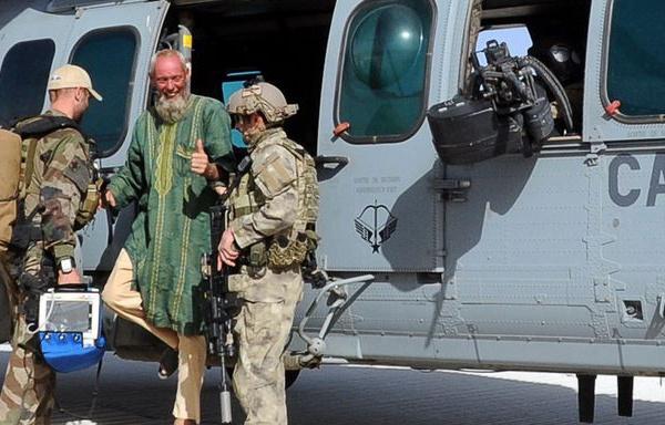 """06/04/2015 - Libération de l'otage néerlandais par les forces spéciales francaises : une """"manoeuvre complexe  dont peu de pays sont capables ...nous pouvons en être fiers."""""""