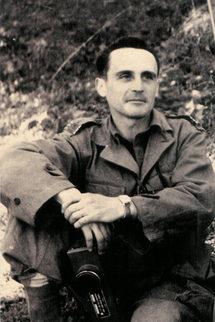 12/07/57 - Capitaine Gérard de Cathelineau (36 ans, 4 enfants) 121ème RI
