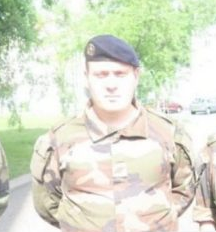 05/06/2018 - Un militaire de l'operation Sentinenelle secourt un enfant suspendu à un balcon à Lyon