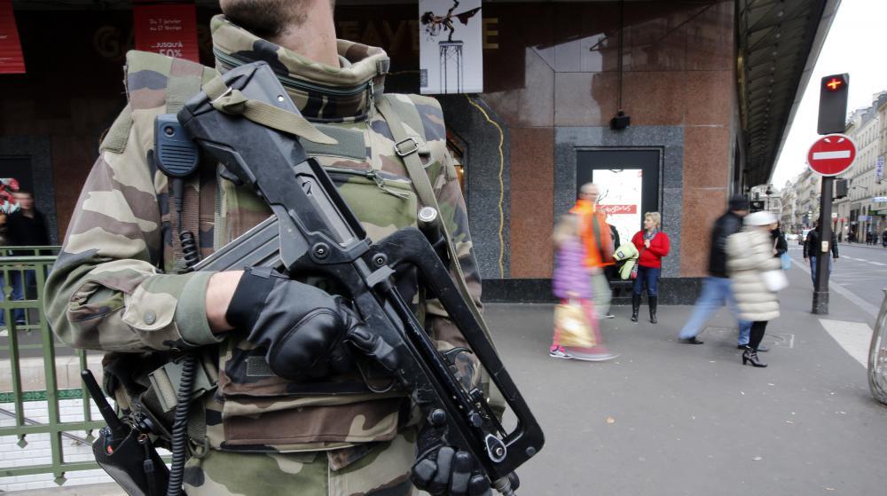 09/04/2015 - L'Etat Islamique menace nos soldats et leurs familles. Les dangers des réseaux sociaux