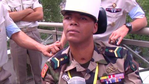 """"""" un souffle de bravoure""""  Le caporal-chef Kévin Emeneya, du 1er REG."""