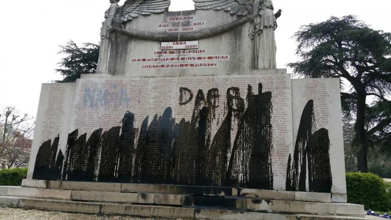 Vandalisme et dégradation du monument aux morts de la ville de Rive-de-Gier