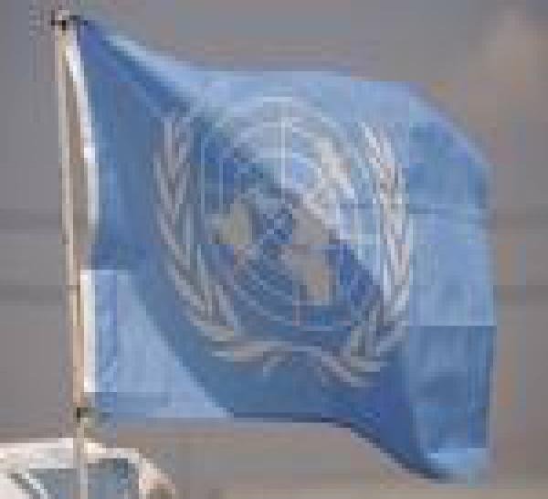 Au Liban, Fillon rend hommage aux Casques bleus