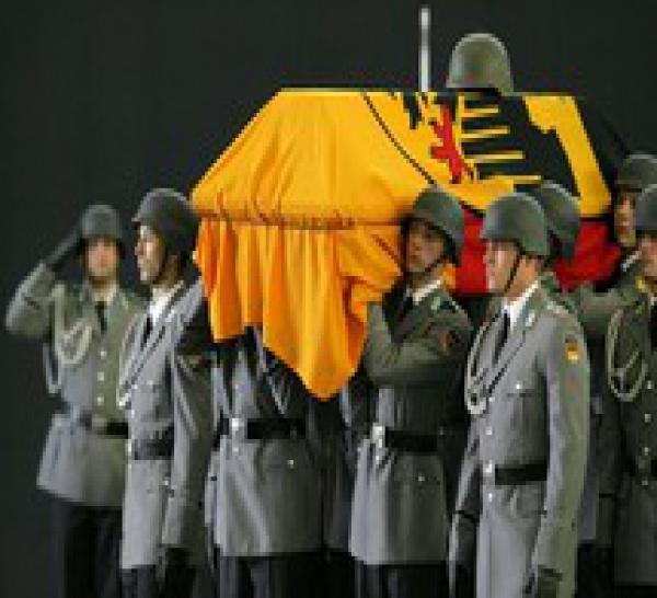 1 soldats allemand tué et 9 blessés dans deux attaques séparées.