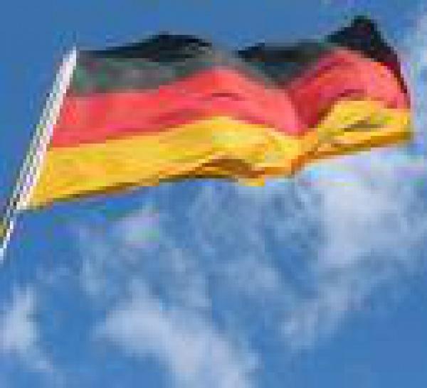 2 soldats allemands blessés par un engin explosif.