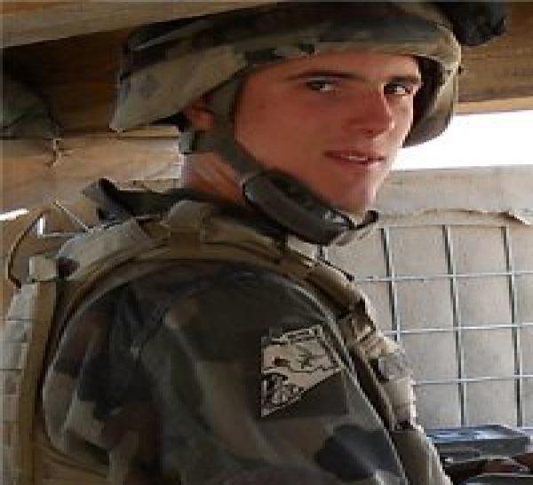 Un soldat français tué en Afghanistan, deux autres blessés dont un gravement