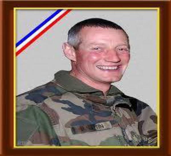 20/01/2012 - Adjudant-chef Denis ESTIN (x  ans, 2 enfants) 93e régiment d'artillerie de montagne