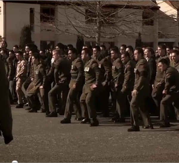 Le Haka de l'armée néo-zélandaise pour rendre hommage à ses morts